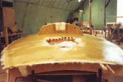 Kevlar-kannen tekoa, metallijigin vapauduttua rungon teosta