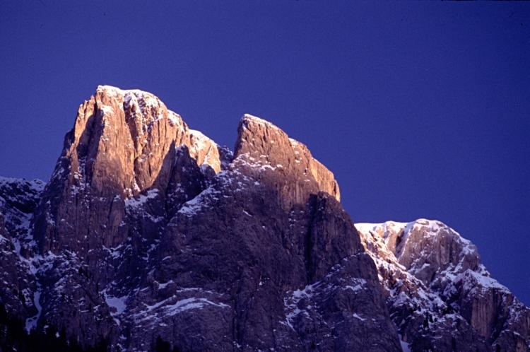 Dolomiti Sella Massif auringon nousu.ret
