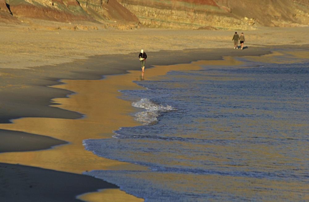 Praya da Luz beach promenade