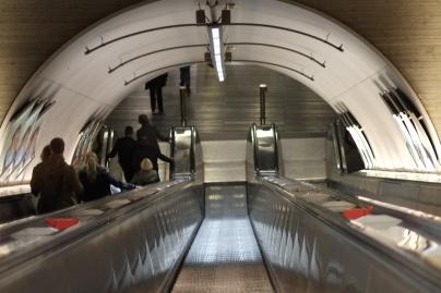 Metrolla mennään