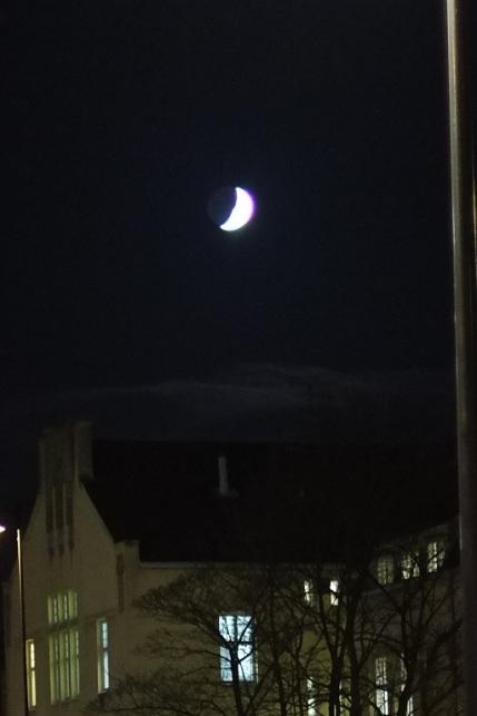 Kuu uudella käytävällä
