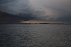 Myrsky taustalla Rotterdam
