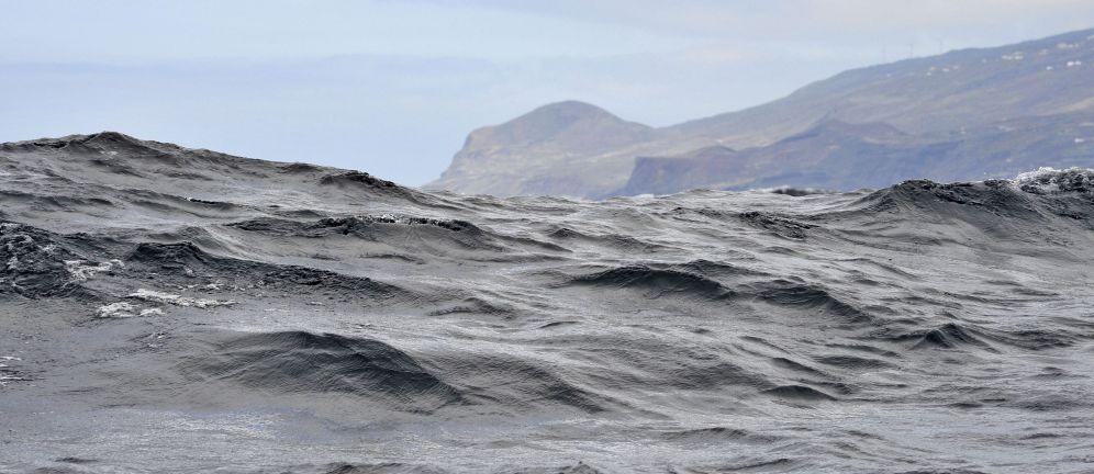 La Palma behind the waves