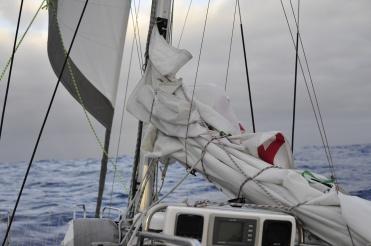 Sy Naneux reefed sails
