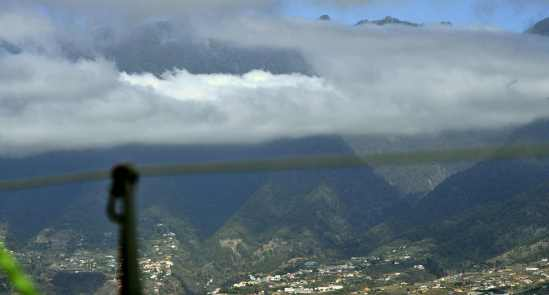 La Palma pilvien läpi